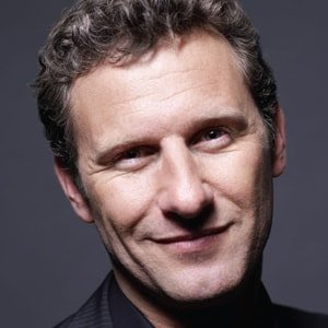 Adam Hills headshot