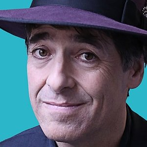Mark Steel headshot