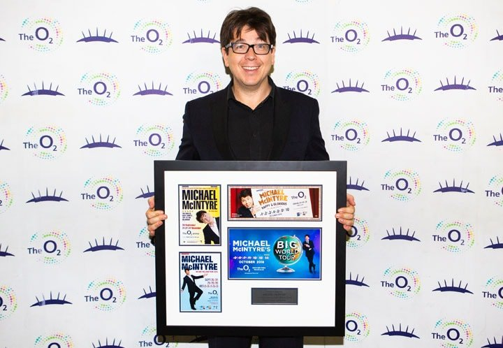 MICHAEL MCINTYRE SELLS A RECORD-BREAKING 409328 TICKETS AT THE O2
